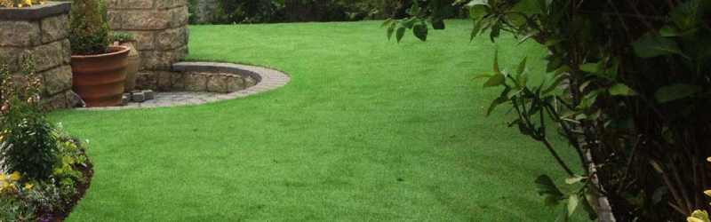 13 + 1 Frequently Asked Questions about Decorative Synthetic Grass